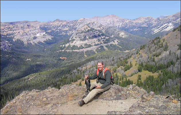 Hunter overlooking Absaroka-Beartooth Wilderness